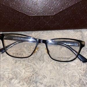 Gucci eye glasses